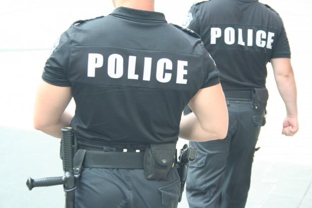 Бургаски полицаи провериха 200 адреса за ден! Откриха 2 нарушения в спазване на карантината!